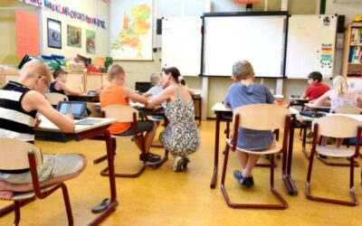 Nieuwe opleiding helpt om lerarentekort Almere terug te dringen